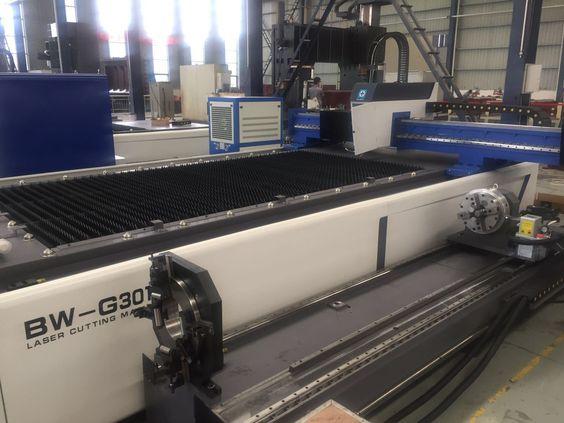 Máy khắc laser trên nhựa