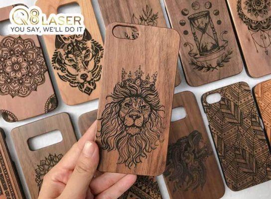 khắc laser vỏ iphone