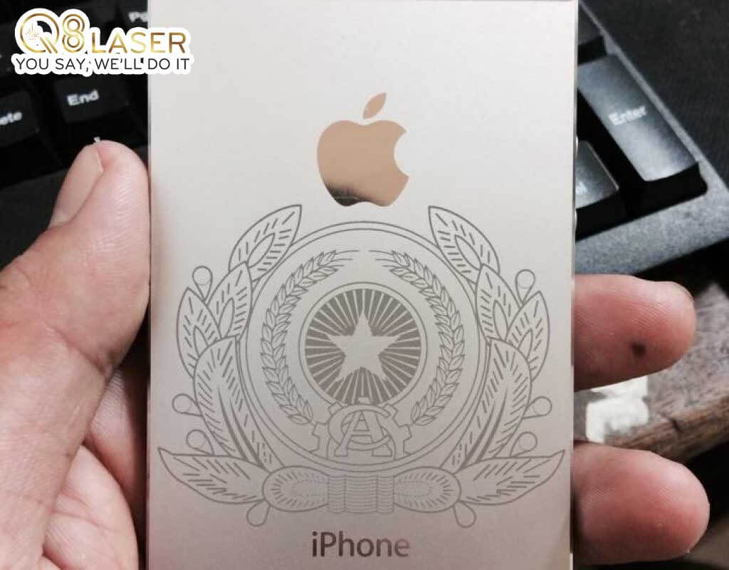 khắc laser iphone