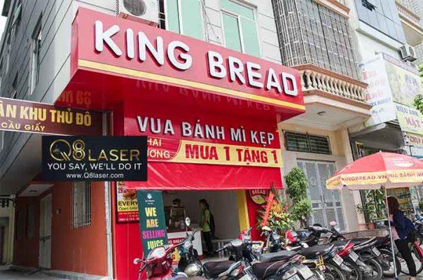Thi công làm bảng hiệu quảng cáo bánh mì