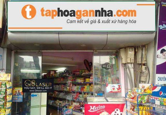 Thi công biển quảng cáo cửa hàng tạp hóa