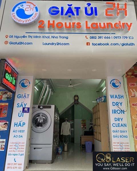biển quảng cáo giặt là