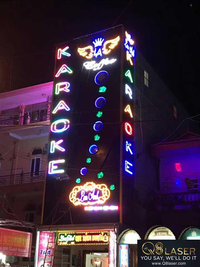 biển quảng cáo karaoke đèn led