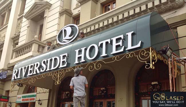 biển quảng cáo hotel