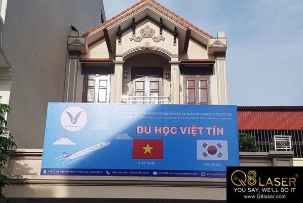 bảng hiệu quảng cáo du học