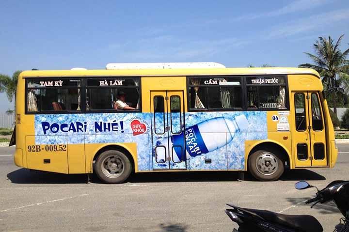 biển quảng cáo trên xe buýt