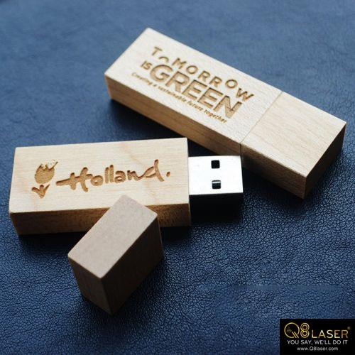 usb gỗ khắc chữ khắc tên
