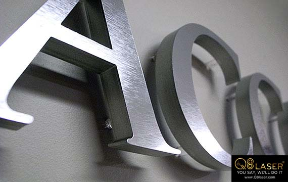 cắt kim loại chữ