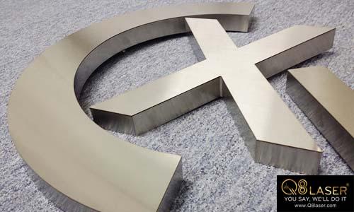 cắt chữ kim loại chất lượng cao