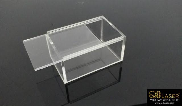 cắt mica hộp