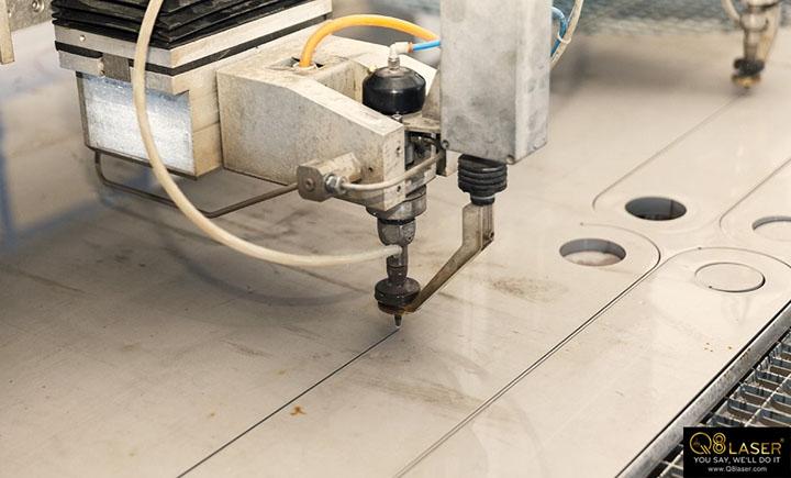 cách cắt tấm formex bằng tia nước